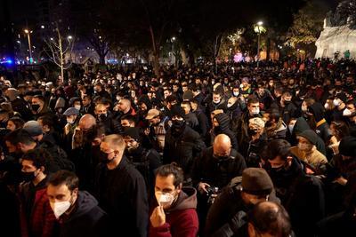 Mantienen protestas por encarcelamiento de Pablo Hasel en España