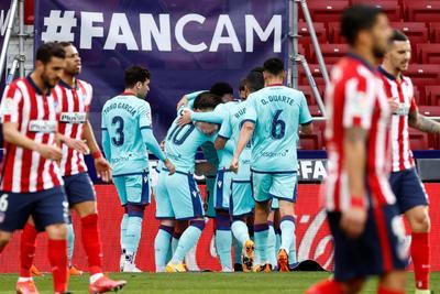 El Atlético afrontó el duelo con relevantes ausencias como la de Yannick Carrasco, por una lesión; Stefan Savic y Saúl Ñíguez, por acumulación de tarjetas; Héctor Herrera, por COVID-19; el croata Sime Vrsaljko por molestias y Kieran Trippier por una sanción hasta el 28 de febrero.