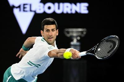 Djokovic vence a Medvedev y gana su noveno Abierto de Australia