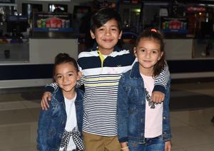 22022021 Ana Sophie Campos Guereca, Andrés Ortega y Mía Campos Guereca.