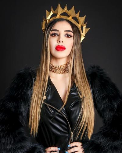 """Emma Coronel, también había anunciado el lanzamiento de una línea de ropa inspirada en """"El Chapo"""", llamada JGL, con la cual intentaba proyectar el estilo de Joaquín y de ella."""