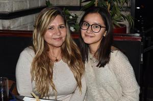 23022021 Claudia Salazar y Valeria Segovia.
