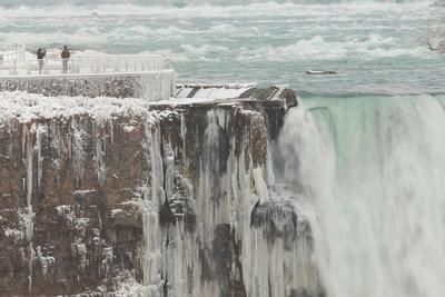 Las Cataratas del Niágara sorprenden al verse congeladas por las bajas temperaturas