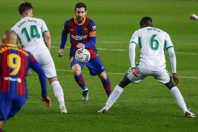 Messi impulsa al Barcelona con victoria en LaLiga