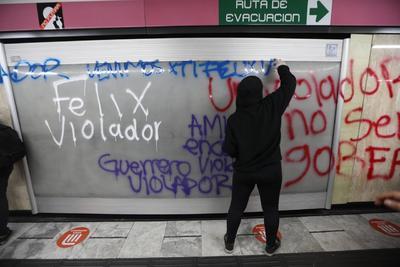 Encapuchadas realizan pintas y destrozos en protesta contra Salgado Macedonio