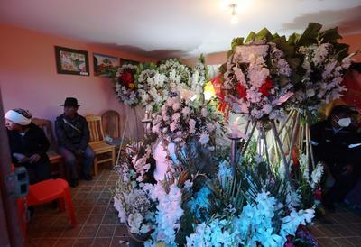 Ciudad en Bolivia llora a sus estudiantes muertos