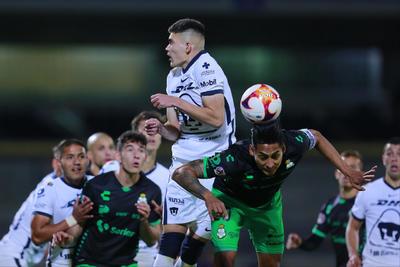 Pumas vence a Santos Laguna con gol de Juan Ignacio Dinenno
