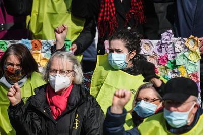 Marchan por el Día Internacional de la Mujer alrededor del mundo