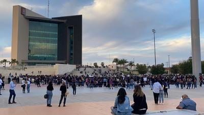 Mujeres conmemoran con evento artístico el 8M en Torreón
