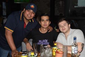 09032021 César Chávez, Alfredo Chávez y Antonio Leice.