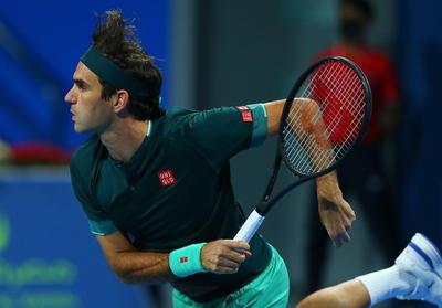 Lo mejor para Federer fue su buen humor. Incluso cuando se le enganchó una derecha sencilla en un punto de set a su favor, esbozó una sonrisa, mostrando que está feliz de poder volver a competir.