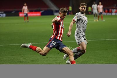 Atlético de Madrid vence como local al Bilbao y aventaja seis puntos