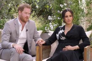 11032021 CASA REAL.  Mandan comunicado luego de la entrevista de Henry y Meghan el pasado domingo con Oprah.