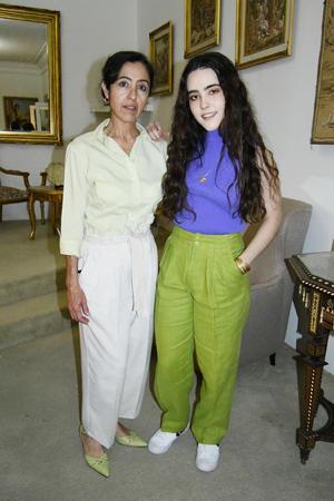 12032021 Andrea Hernández Silveira y su mamá.