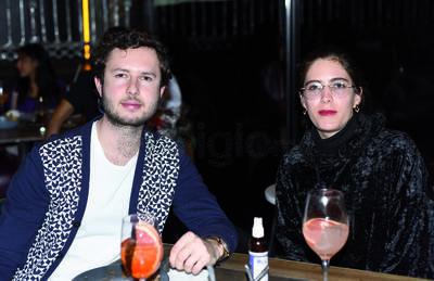 """Roberto y Zulema. Gozan fin de semana en un restaurante, bajo la premisa de """"cocina expuesta"""""""