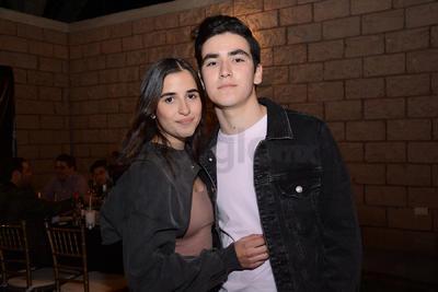 Susy y Santiago. Isabel Fernández festejó junto entre música y risas con familiares y amigos su cumpleaños.