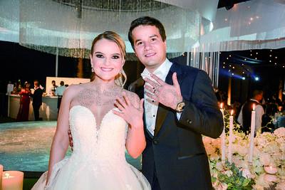 Karime Silveira y Gustavo Herrera unen sus vidas en una celebración rodeados de sus amigos y familiares.