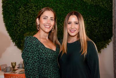 Andrea Teele y Susana Escobosa. Despedida de soltera Ana María Ortiz.