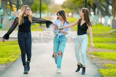 En Portada. Analety, Debby y Camila. Tres amigas que nos comparten lo increíble que es su amistad.