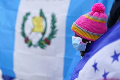 Hondureños piden a Biden un nuevo Estatus de Protección Temporal en manifestación
