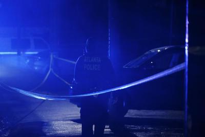 Mueren al menos ocho personas en tiroteos en salas de masajes de Atlanta