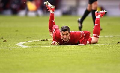 Triplete perfecto de Lewandowski en otra goleada del Bayern