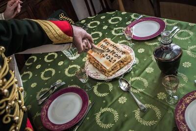 Preparan en Francia conmemoraciones por bicentenario de muerte de Napoleón Bonaparte