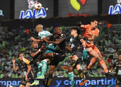 León derrota a Santos Laguna como visitante
