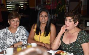 25032021 Karla Torres, Estela Arreola y Gabriela Torres.