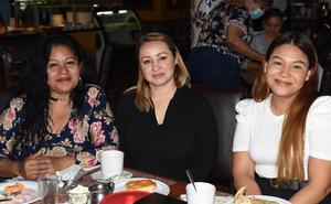 25032021 Leticia Hernández, Claudia Hurtado y Rosa María Sánchez.