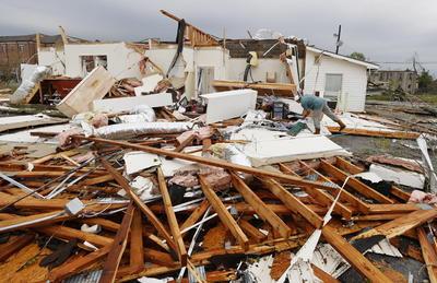 Tornados azotan Alabama; Hay 5 muertos y varios heridos