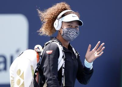 Naomi Osaka debuta con victoria en Miami