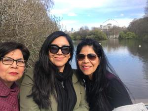 28032021 De vacaciones en St. James Park de Londres Rosario, Diana e Imelda.