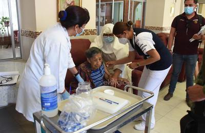 En Torreón, se cuenta con un padrón de 18 asilos y todos ellos serán visitados por brigadas de salud en los próximos días. Se empezará por aquellos que tienen mayor población de adultos mayores.