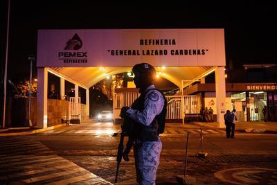 Controlan incendio en refinería de Minatitlán, Veracruz; reportan al menos seis heridos