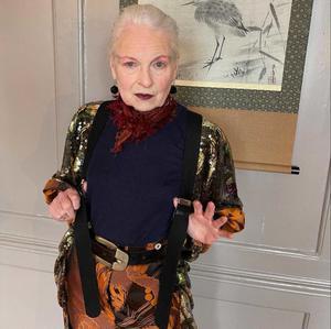 08042021 CAMBIO.  La diseñadora conocida como 'La Reina del Punk' quiere marcar una diferencia en el mundo a sus 80 años de edad.