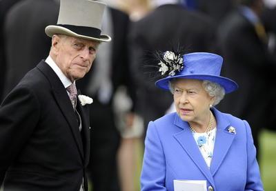 El príncipe Felipe muere tras haberse convertido en el consorte monárquico más longevo de la Corona británica, con más de setenta años junto a la reina Isabel II.