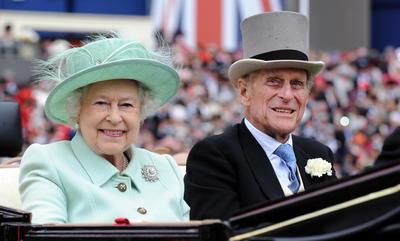 Su muerte, cuya causa no ha sido revelada, llega en medio de la crisis global del coronavirus -la Casa Real descartó que su hospitalización estuviese vinculada a la covid- y en un momento especialmente delicado para la monarquía británica.