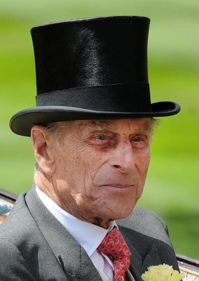 El pasado 16 de marzo recibió el alta hospitalaria y regresó al castillo de Windsor, al oeste de Londres, para reunirse allí con su mujer.