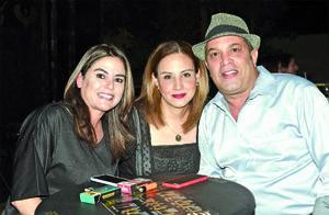 09042021 Rosetta Urrutia, Claudia Varela y Pedro Villalpando