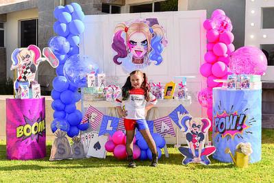 Elisa celebra su sexto cumpleaños con una fiesta temática, en compañía de sus padres y hermana