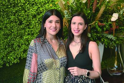 Denisse Flores y Andrea Madero.