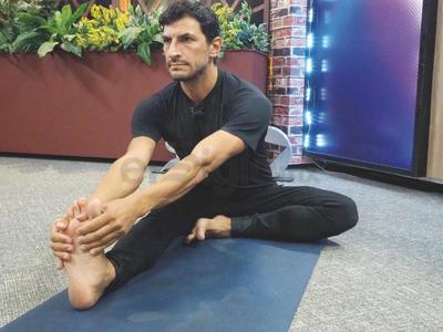 Emprendedor de la conciencia, amigo carrillero y una persona de buenos hábitos, así se autodescribe el reconocido maestro de yoga, Marcos Jassan.