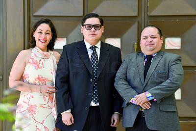 Carlos Omar Alfonso Ramos con sus padres, Omar Alfonso Luján y Consuelo Ramos Álvarez.