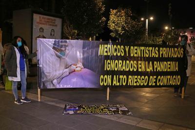 Se niegan Salud y Segob a definir fecha para vacunación contra COVID de médicos privados en México