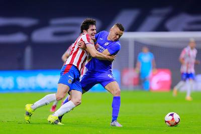 Jonathan Rodríguez le da triunfo a Cruz Azul ante Chivas