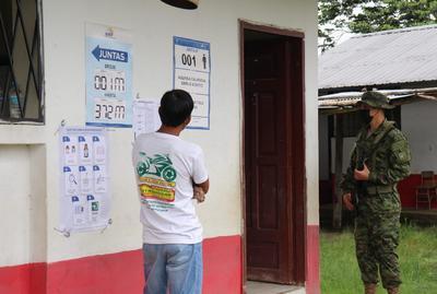 Inicia jornada electoral en Ecuador para elegir presidente