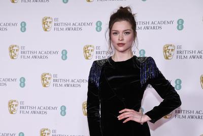 Los mejores looks en la alfombra roja de los Premios Bafta 2021