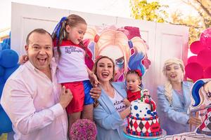 11042021 Elisa celebra su sexto cumpleaños, junto a sus padres, Fermín y Alejandra, y su hermana menor, María Alejandra.
