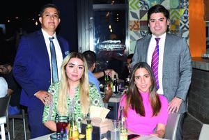 16042021 Cinthia Marrufo y Ricardo Ramírez; Yamilé Bencomo y Francisco León.